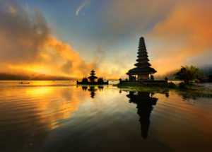 sunset-danu-bratan-temple